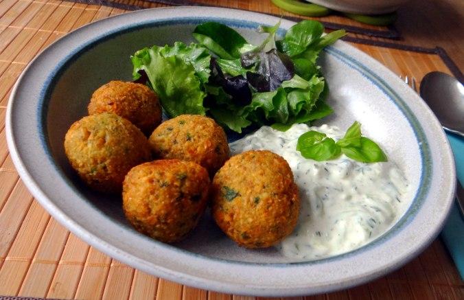Falafel,Tzatziki,Pflücksalat (50)