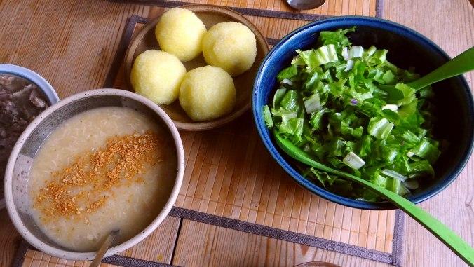 Meerrettichsauce Beinscheibe,Klöße,Salat (20)