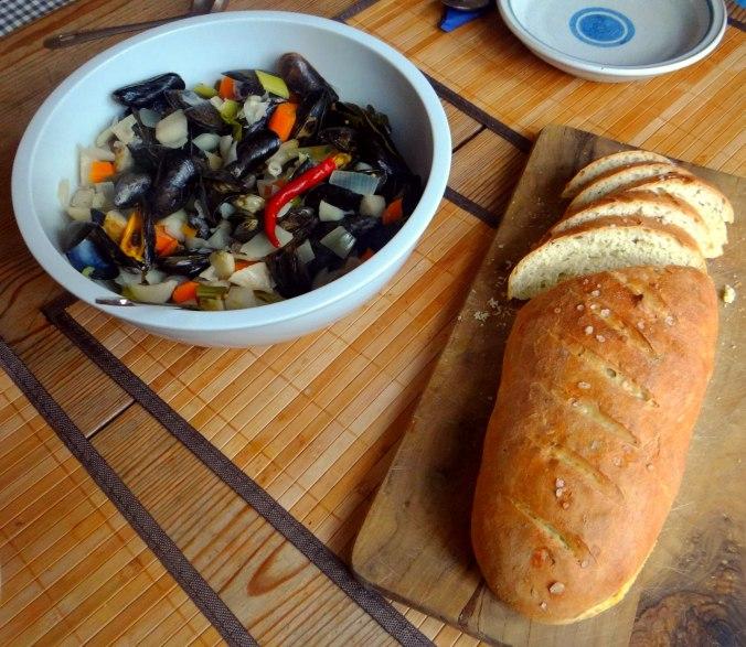 Miesmuscheln,Baguette,Quark-Schlehen Dessert (17)