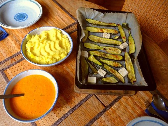 Paprika Sauce,Kartoffelstampf,Zucchini (3)