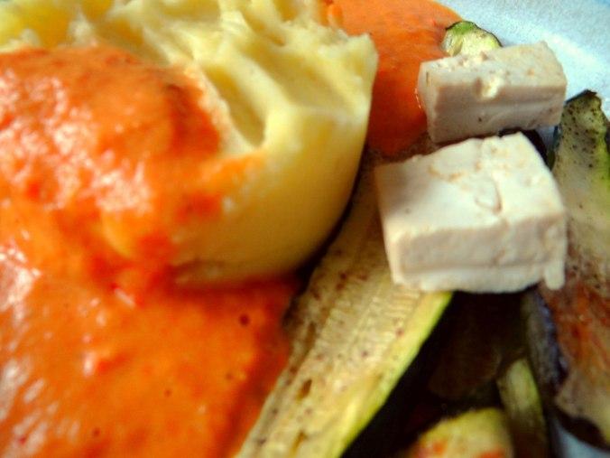 Paprika Sauce,Kartoffelstampf,Zucchini (4)