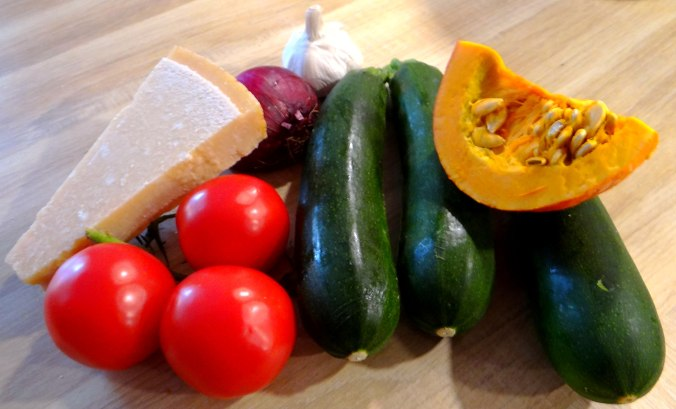 Zucchini Zoodles,Tomatensoße (6)