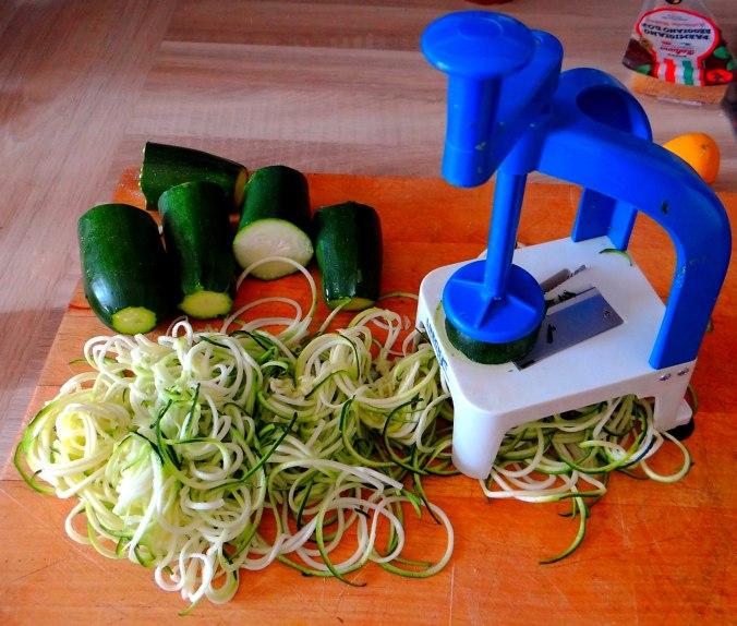 Zucchini Zoodles,Tomatensoße (7)