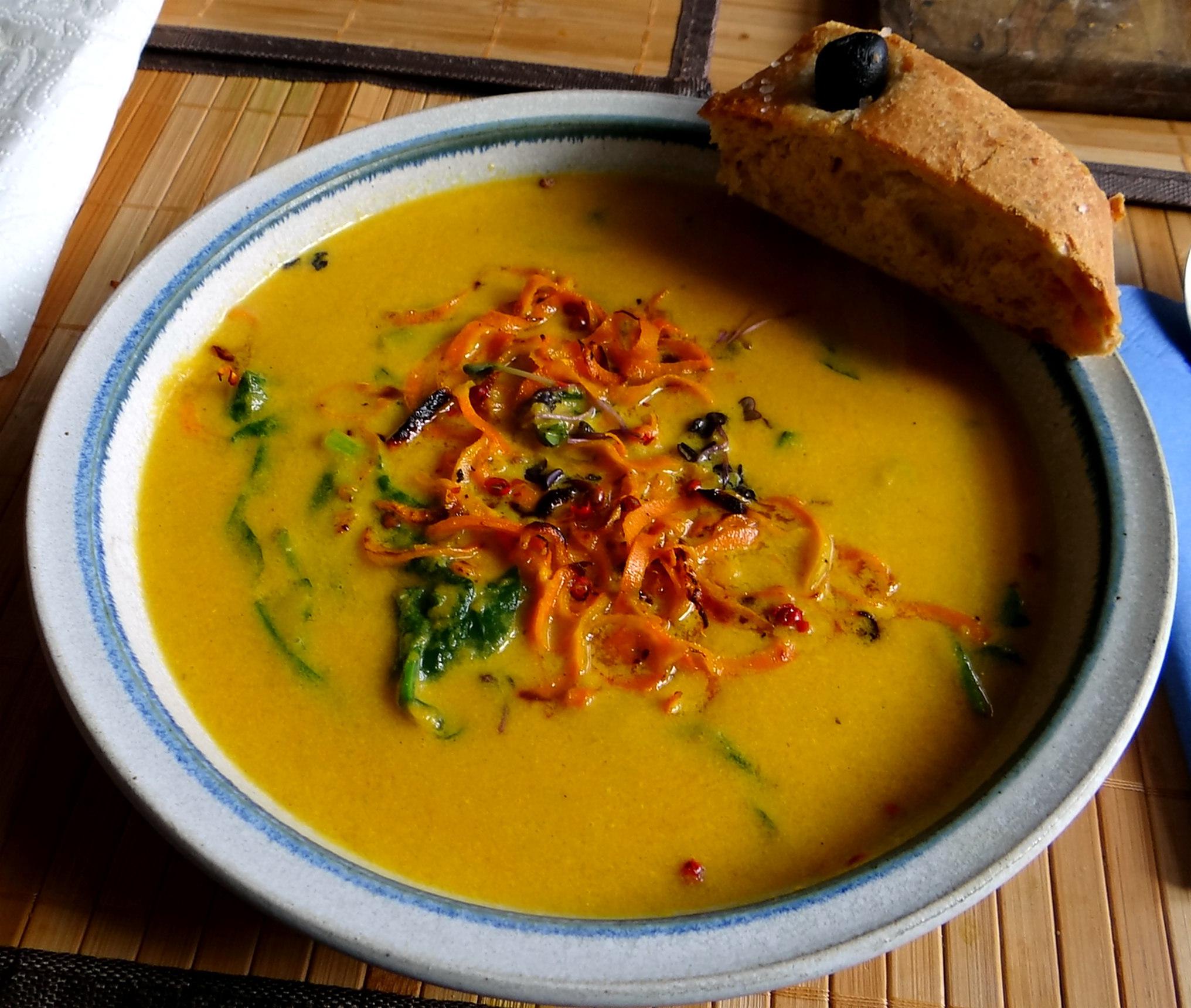 Orientalische Möhren-suppe