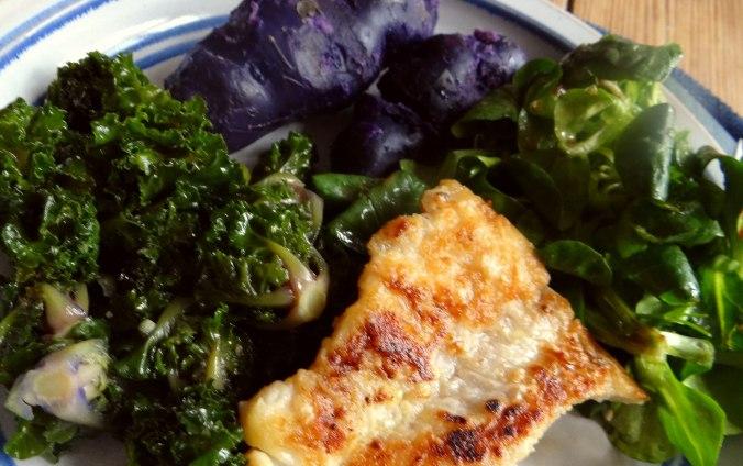 Rotbarsch,Kohlröschen,violette Kartoffeln (3)