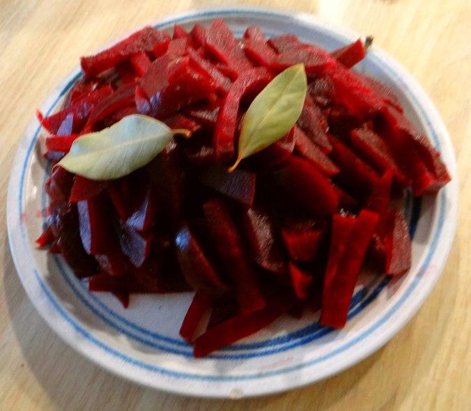 Rote Beete Gemüse,Geräucherte Forelle,Kartoffeln,Obstsalat (7)