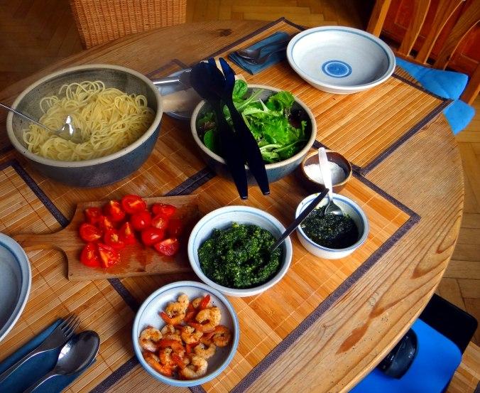 Spaghetti,Bärlauchpesto,Garnelen,Pflücksalat (10)