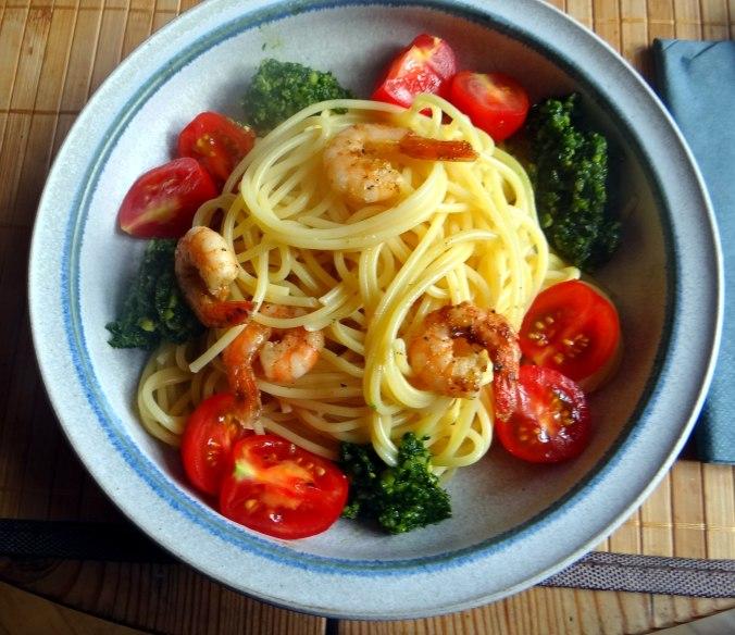 Spaghetti,Bärlauchpesto,Garnelen,Pflücksalat (11)