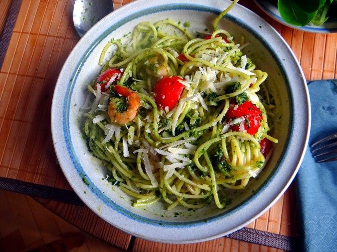 Spaghetti,Bärlauchpesto,Garnelen,Pflücksalat (12)