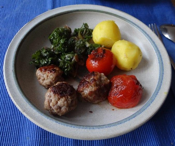 Kohlröschen,Tomaten,Mettbällchen (1)