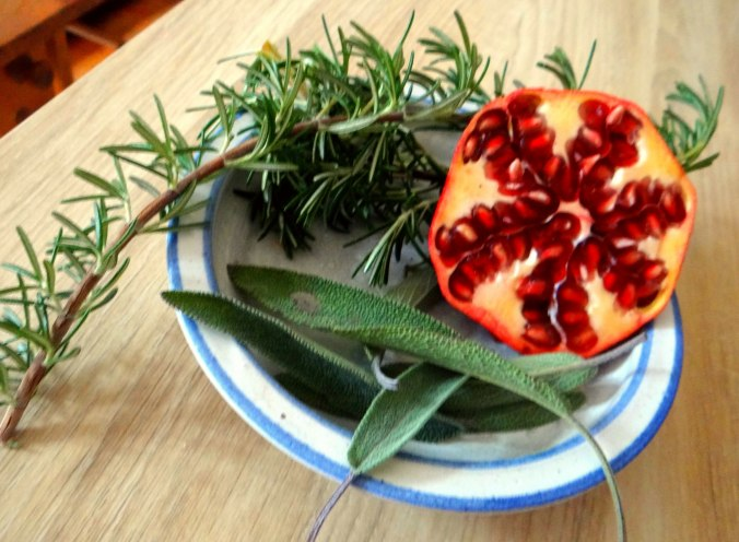 Perlhuhn,Kartoffel-Selleriestampf,Salat,Obstsalat (14z) (1)
