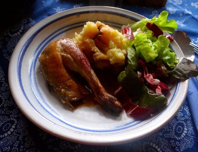 Perlhuhn,Kartoffel-Selleriestampf,Salat,Obstsalat (14z) (5)