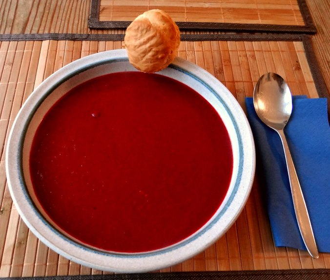 Rote Beete Suppe,Muffin (1)