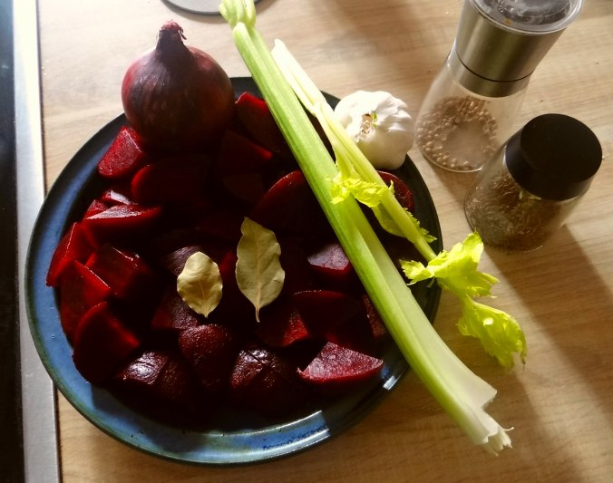 Rote Beete Suppe,Muffin (10)