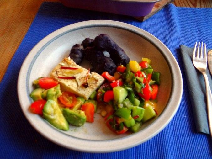 Salat,Schafskäse,blaue Kartoffel (9)