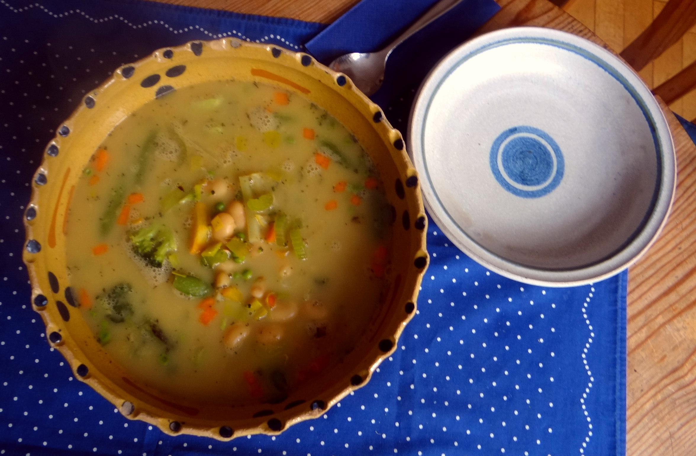 Gemüsesuppe mit weißen Bohnen (4)